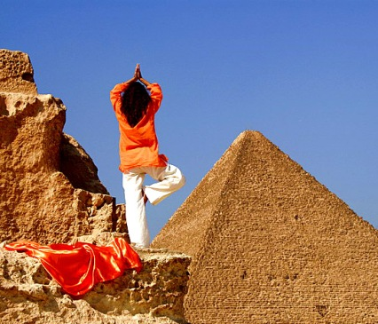 yoga at pyramid of Giza